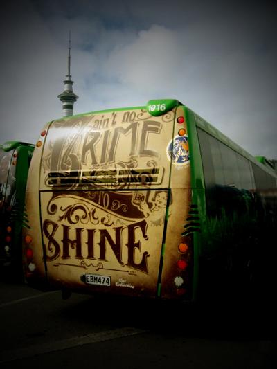 bus-(Aint-no-crime)